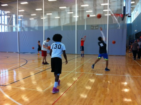 Boys Varsity Basketball prepares for a new season in the Blue Conference