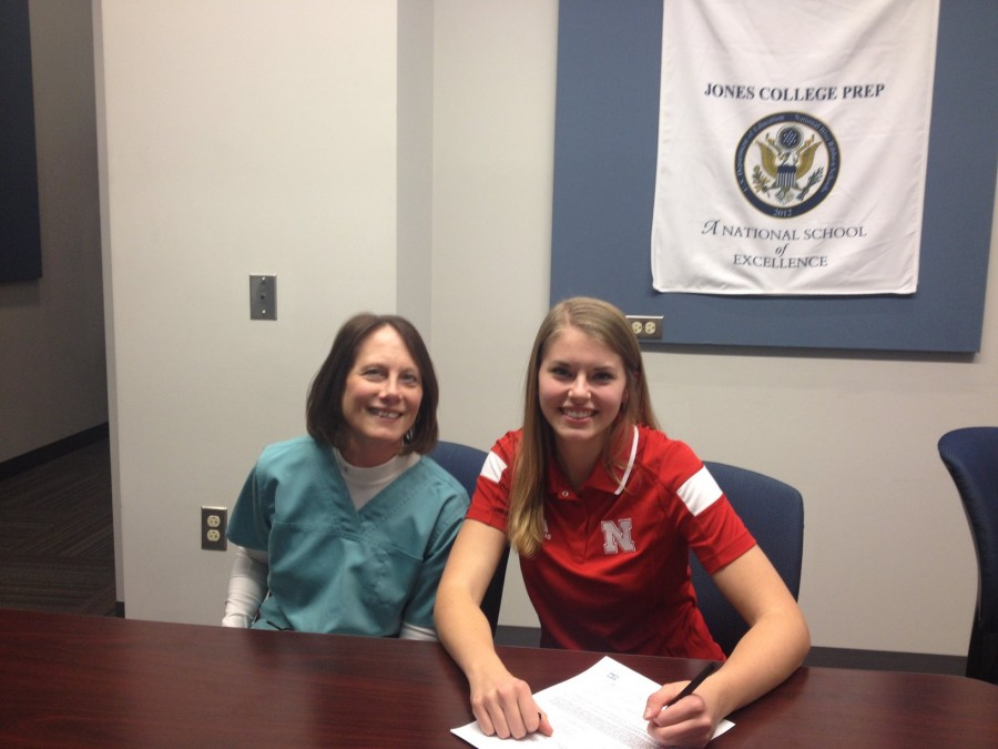 Julie Lohman '15 with her mother