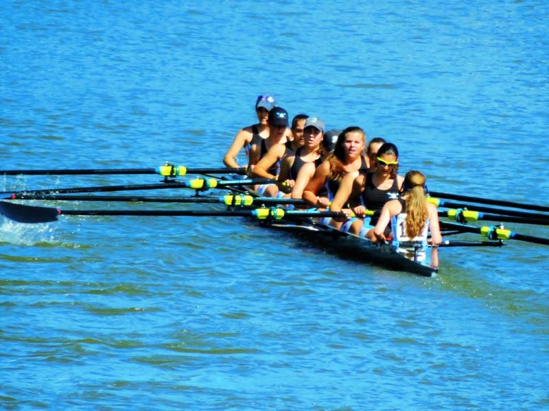 Jones+Chicago+Rowing+Foundation+%28CRF%29+rowers+Couper+Tanko+%E2%80%9817+%28third+from+left%29+and+Margo+Mingelgrin+%E2%80%9816+%28second+from+right%29+compete+in+the+Head+of+the+Rock+Regatta+in+Rockford%2C+IL.+CRF+specializes+in+sweep+rowing%2C+in+which+each+rower+only+has+one+oar.+