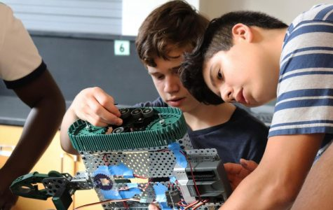Underclassmen reprogram Robotics Club